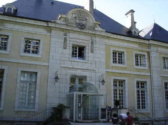 palais episcopal