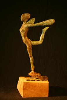 papillon, bronze sur bois de cèdre,39cm