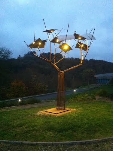 'Le lumier' arbre à lumière, 5m, réalisé à Oudon en 2015