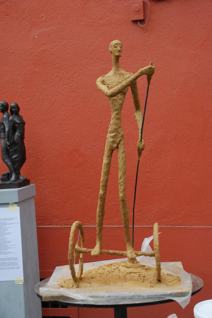 Pilote du temps, 1er prix de modelage, Montmarte à Clisson