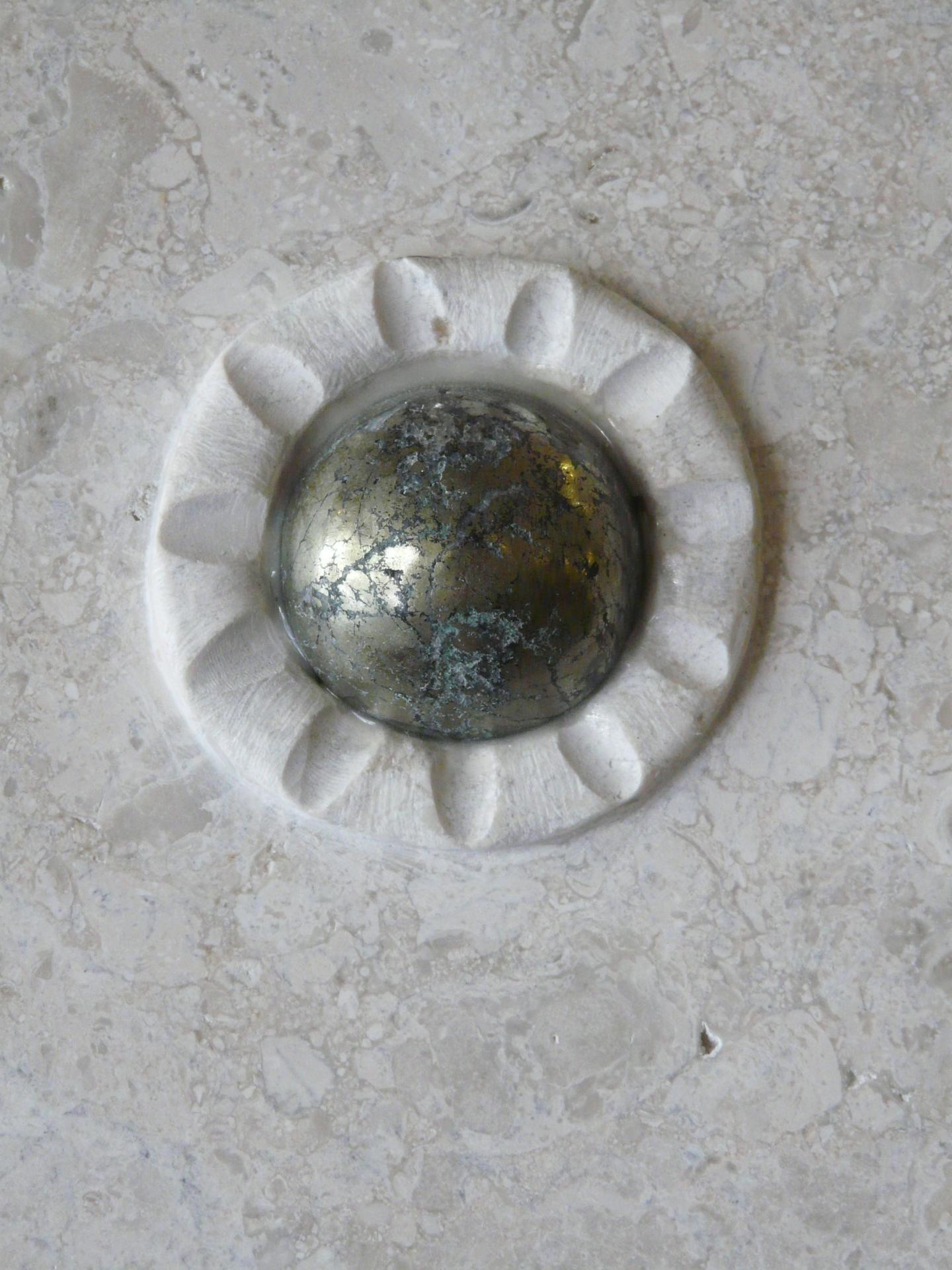 Chalcopyrite- side detail