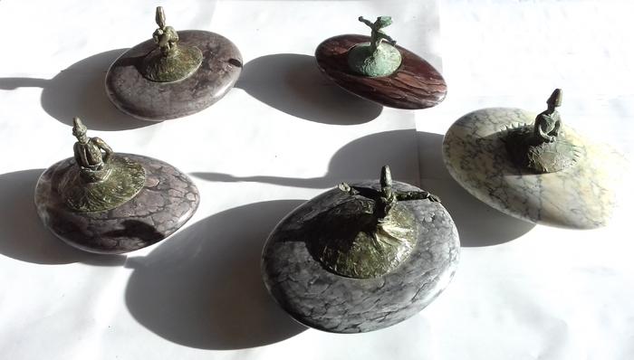 Soufis toupies, marbres d'Ariège et bronzes